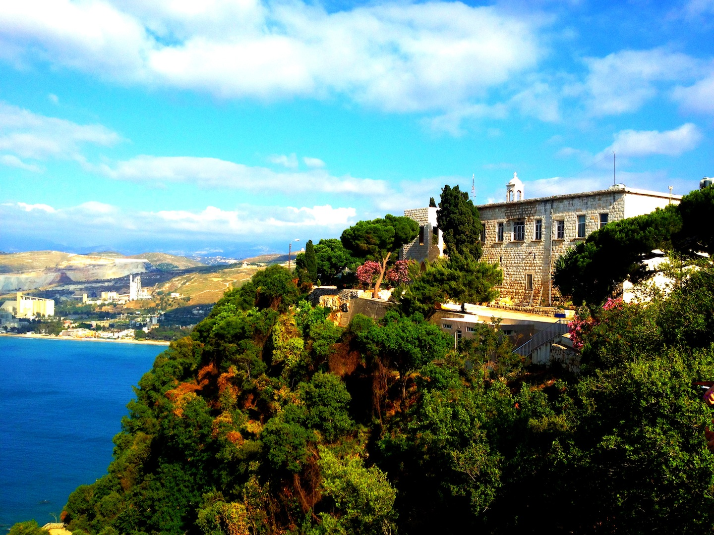 <p>Discover Beautiful Lebanon,            </p>
